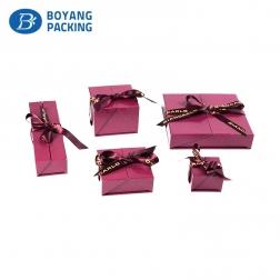 Fuchsia plastic jewellery packaging manufacturer