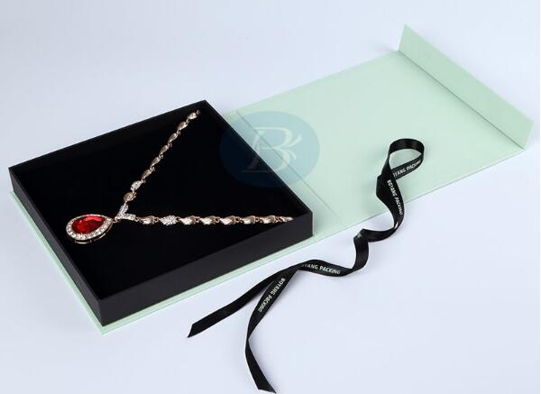 How to choose the printing box type of jewellery gift boxes?
