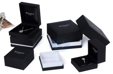 What kind of design makes the jewelry packaging boxes more popular?