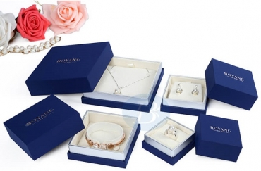Custom jewelry boxes to make your customers experience better