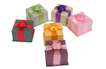 How important is the color matching of jewelry box packaging